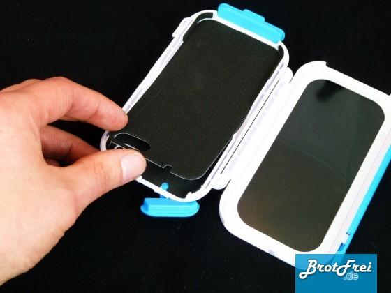 Schaumstoffeinlage für iPhone4 entfernen