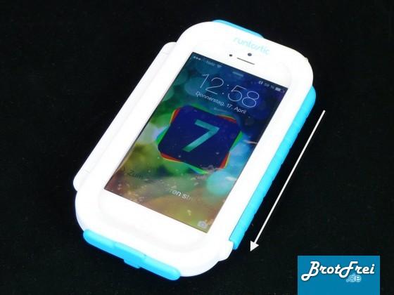 iPhone 5 im geschlossenen Case, Verschluss ist verriegelt