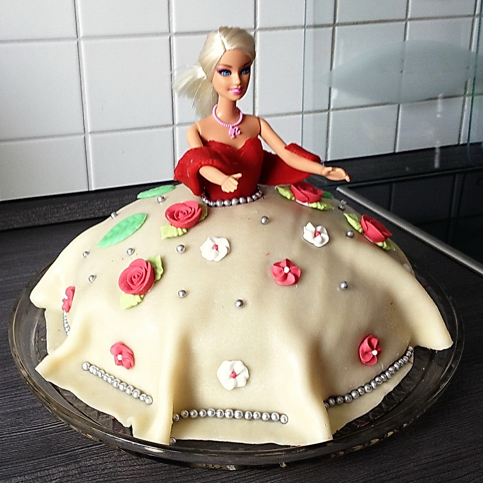 Rezept Und Anleitung Fur Eine Barbie Torte Brotfrei