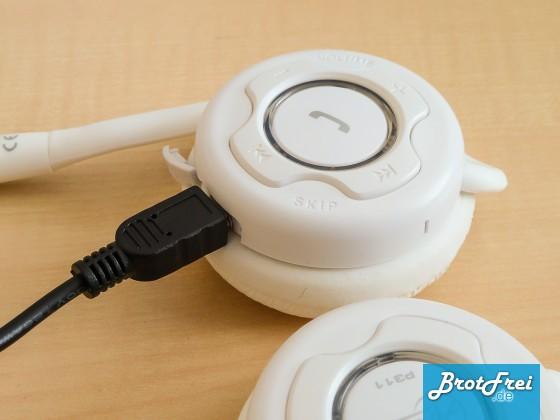 Bluetooth Kopfhörer Arctic P311 aufladen