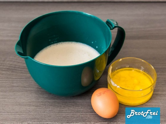 Milch, Ei und gelöste Butter
