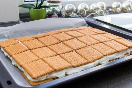 Die fertigen Keks-Törtchen auf dem Blech