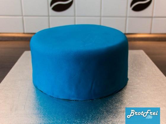 Die fertig eingedeckte Torte
