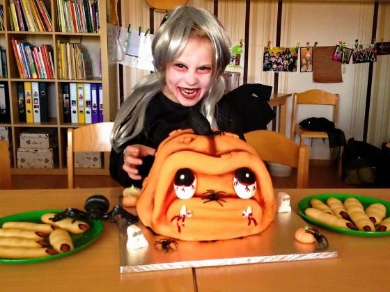 Die gruselige Halloween Kürbis Torte