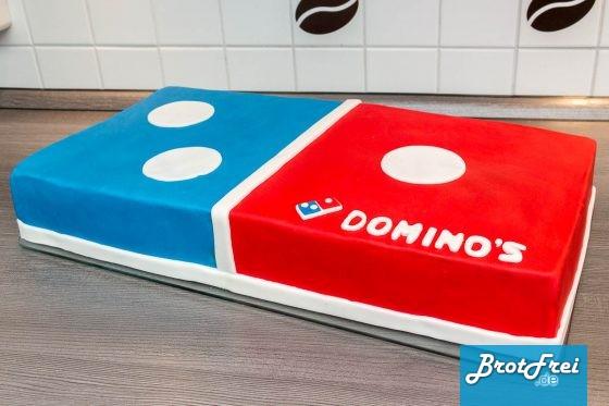 Die fertige Dominos Torte