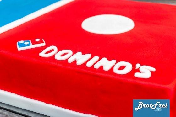 Das fertig aufgeklebte Logo und die Buchstaben